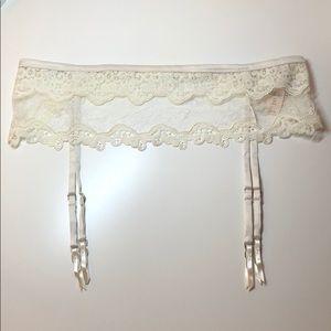 Victoria's Secret Garter Belt *XS/S